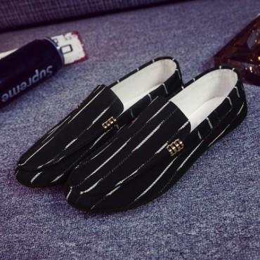 2018 new beans shoes loafers men's lazy shoes casual wear men's shoes. black 39